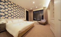 Amo 54 Bedroom with Seating Area | Upper Wadano