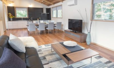 Bluebird Chalets Living and Dining Area | Echoland