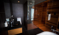 One Happo Bedroom and En-Suite Bathroom with Shower | Happo Village