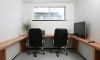 Hakuba Slopeside Chalet Study Room | Tsugaike