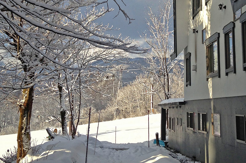 Hakuba Slopeside Chalet Outdoor Area with Snow | Tsugaike