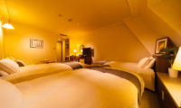 Hakuba Springs Hotel Deluxe Twin Plus Room | Happo Village