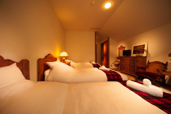 Marillen Hotel Triple Bedroom with TV | Happo Village