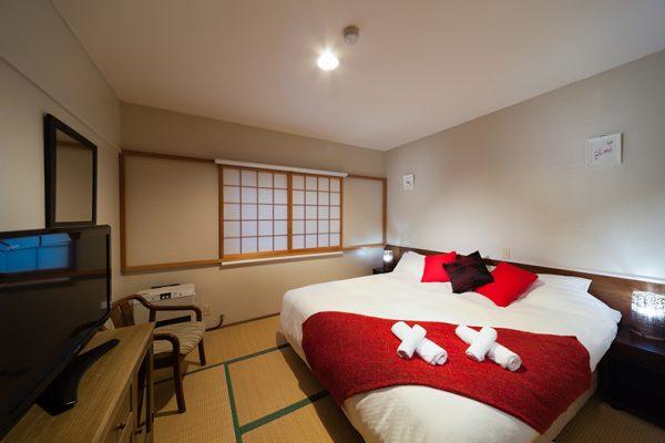 Luna Hotel Bedroom with TV | Upper Wadano