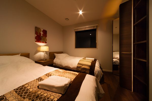 Phoenix Chalets Bedroom with Twin Beds | Lower Wadano