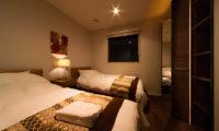 Phoenix Chalets Twin Bedroom | Lower Wadano