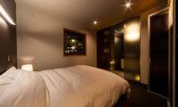 Phoenix Chalets Bedroom and Bathroom | Lower Wadano