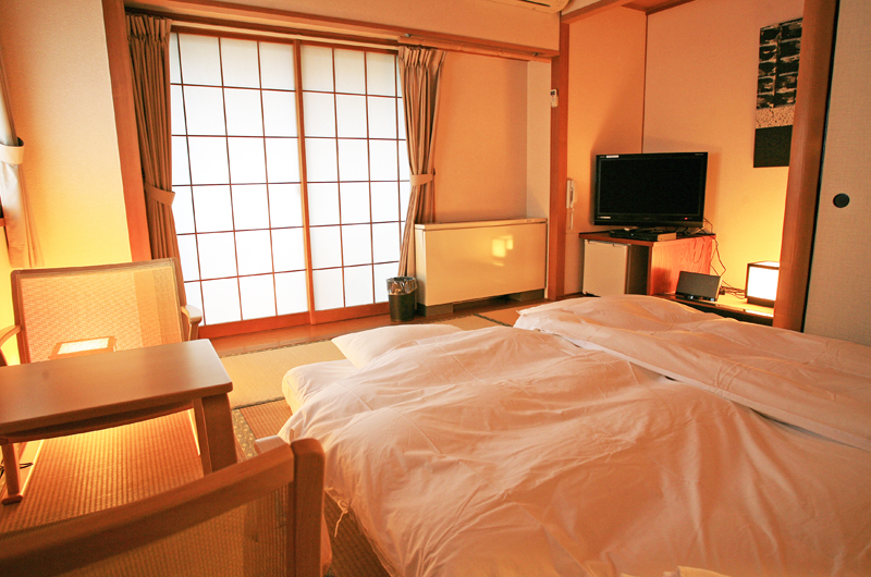 Phoenix Hotel Japanese Style Bedroom with TV | Lower Wadano