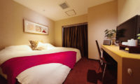 Phoenix Hotel King Size Bed with TV | Lower Wadano