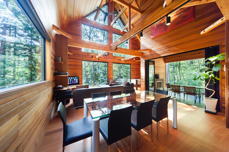 Phoenix One Dining Area with Wooden Floor | Lower Wadano