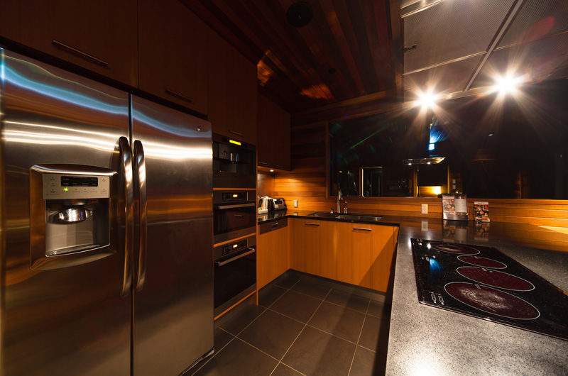 Phoenix One Kitchen Area | Lower Wadano