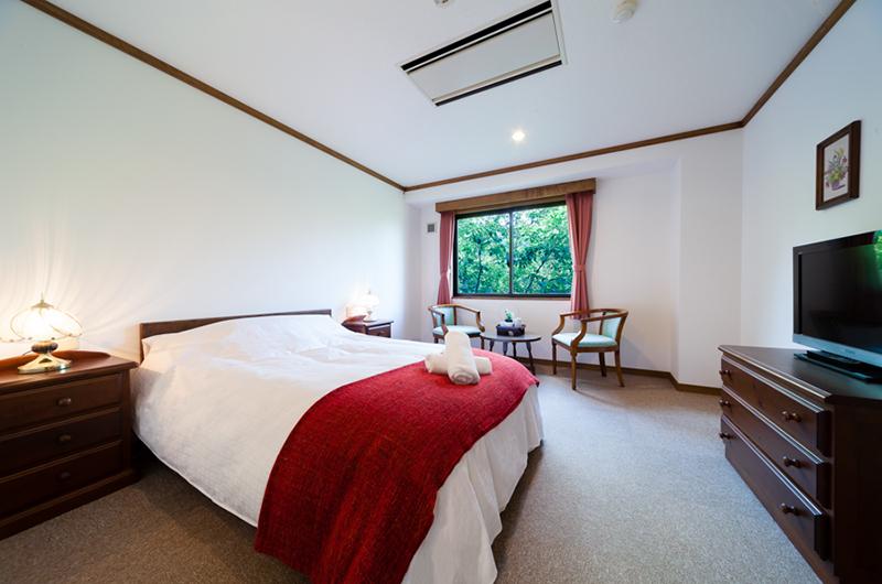 Wadano Forest Hotel Bedroom with TV | Upper Wadano