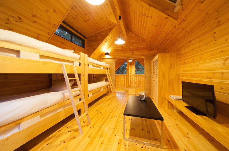 Wadano Woods Chalets Bunk Beds with TV | Lower Wadano