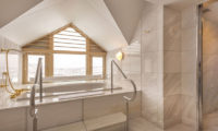 The Kiroro, A Tribute Portfolio Hotel En-Suite Bathtub | Kiroro