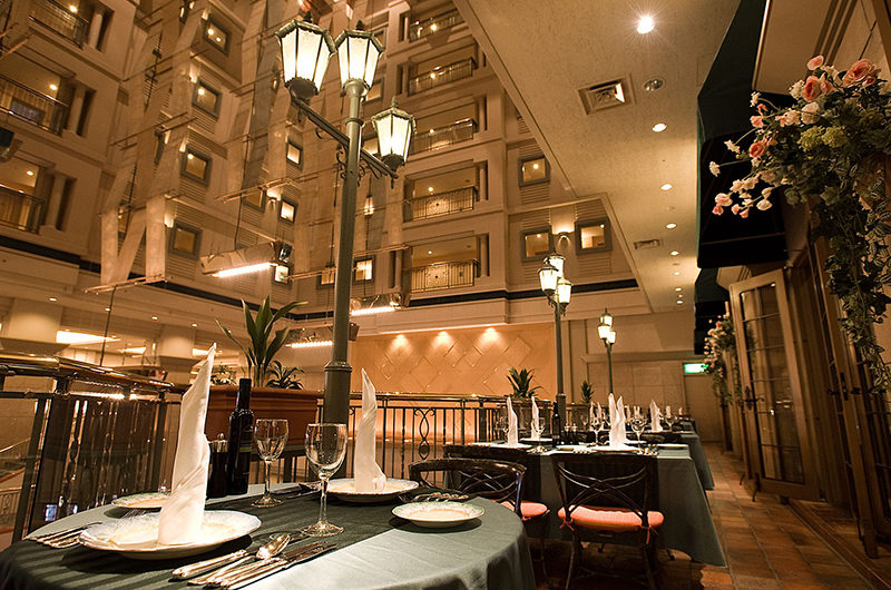 The Kiroro, A Tribute Portfolio Hotel Dining at Night | Kiroro
