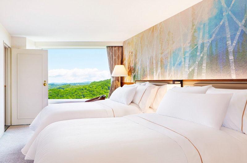 Westin Rusutsu Resort Twin Bedroom with Outdoor View | Rusutsu