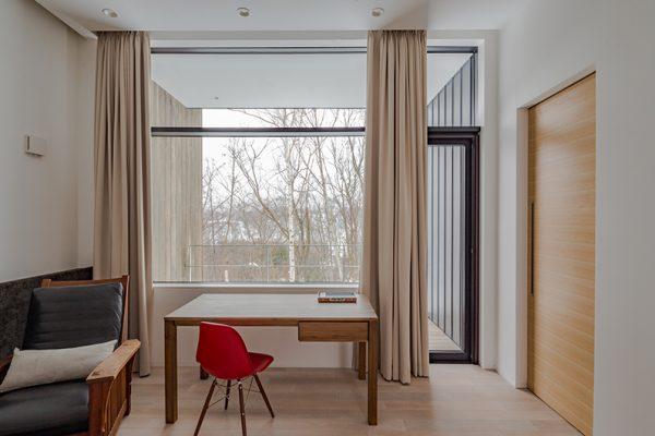 Yanagi House Study Table | West Hirafu