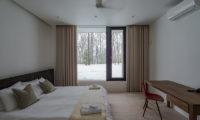 Yanagi House Bedroom with Study Table | West Hirafu