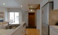 Kitanishi Two Modular Kitchen with Wooden Floor | Middle Hirafu