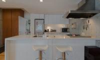 Kitanishi Two Modular Kitchen with Seating Area | Middle Hirafu
