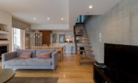 Kitanishi Two Living Area with Wooden Floor | Middle Hirafu