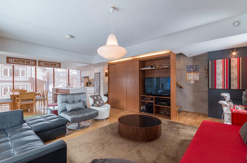Kitanishi Three Living Area with TV | Middle Hirafu