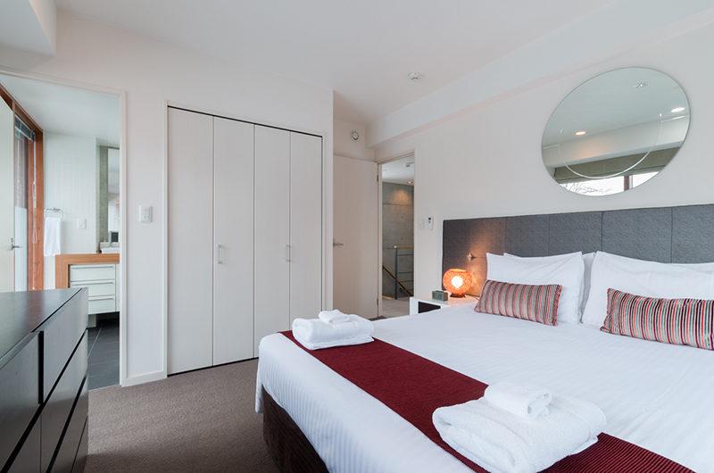 Kitanishi Three Bedroom with Mirror | Middle Hirafu