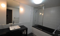 Altitude Hakuba Bathroom with Bathtub | Upper Wadano