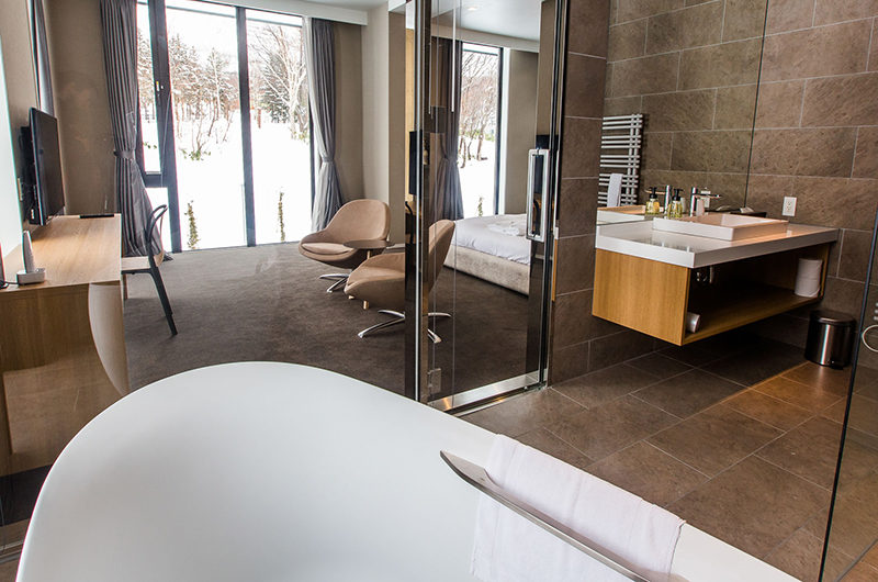 The Kamui Niseko Bedroom and En-Suite Bathroom | Annupuri