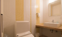 Chalet Billopp Bathroom | Lower Hirafu