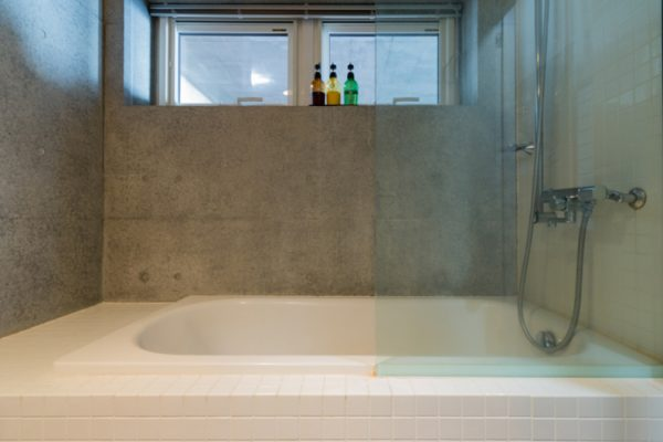 Kitanishi Three Bathtub | Middle Hirafu