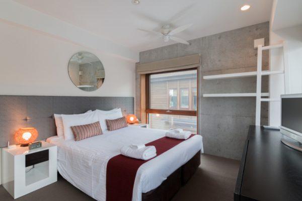 Kitanishi Three Bedroom with Study Table | Middle Hirafu
