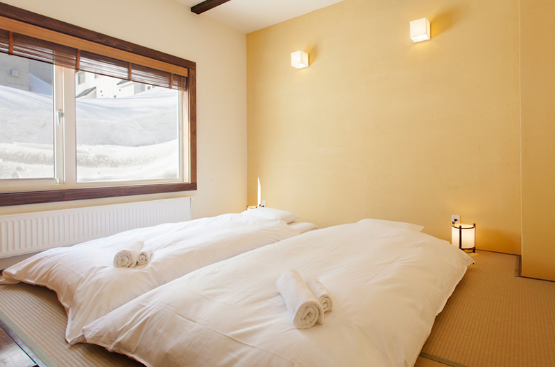 Niseko Extra Guests Bedding - Ginsetsu Japanese Room