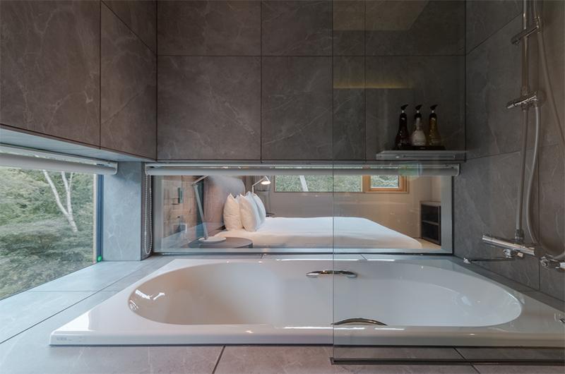 Boheme Bedroom with En-suite Bathroom | Lower Hirafu Village