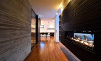 Mukashi Mukashi Corridor with Fireplace | Middle Hirafu