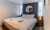Zangetsu Bedroom with Mirror | Lower Hirafu