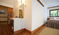 Momiji Hakuba Bedroom with Study Table | Hakuba Village