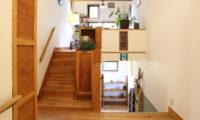 Momiji Hakuba Up Stairs | Hakuba Village