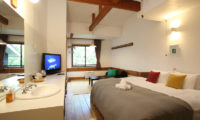 Momiji Hakuba King Size Bed with TV | Hakuba Village