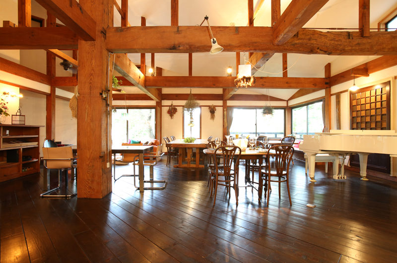 Momiji Hakuba Spacious Dining Area | Hakuba Village