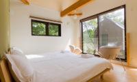 Gakuto Villas Twin Bedroom with Seating Area | Hakuba Valley