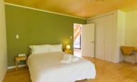 Gakuto Villas Bedroom with Study Table | Hakuba Valley