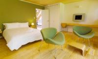 Gakuto Villas Bedroom with Seating Area | Hakuba Valley