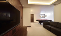 Kokoro Lounge Area with TV | East Hirafu
