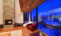 Panorama Living Area with Fireplace | Lower Hirafu