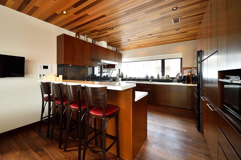 Panorama Kitchen and Dining | Lower Hirafu