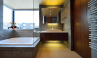 Panorama En-Suite Bathtub | Lower Hirafu
