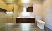 Panorama En-Suite Bathroom | Lower Hirafu