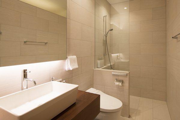 Kazahana Bathroom with Shower | Middle Hirafux