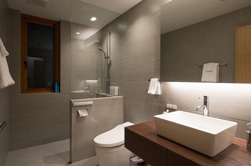 Kazahana Bathroom | Middle Hirafux